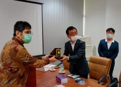 UI – COSMAX PHARMA Kerja Sama Penelitian dan Produksi Perangkat Medis Dalam Negeri Perangi COVID-19